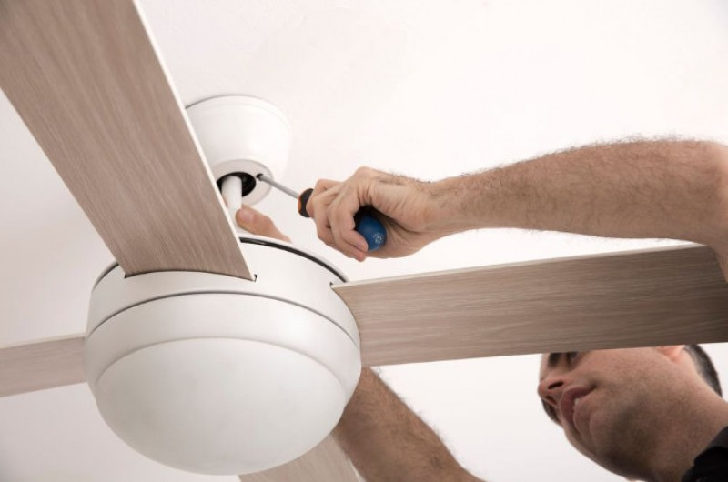 <span style='color:#780948'>ARCHIVED</span> - 25th May, free workshops how to install ceiling fans at Leroy Merlin in Cartagena and Murcia