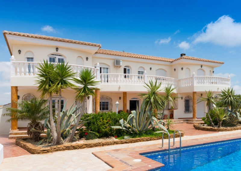 <span style='color:#780948'>ARCHIVED</span> - Notaries report fourth consecutive decrease in Spanish property sales