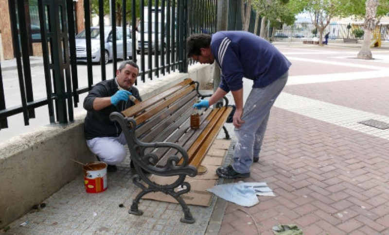 <span style='color:#780948'>ARCHIVED</span> - Training schemes for jobless people to help repair flood damage in Los Nietos and Los Urrutias