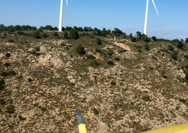 <span style='color:#780948'>ARCHIVED</span> - Hang-glider dies in the mountains close to Jumilla