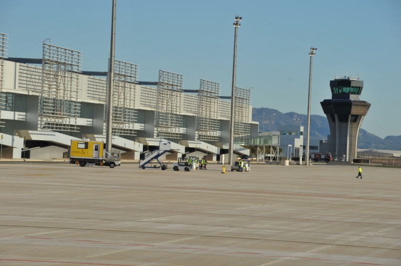<span style='color:#780948'>ARCHIVED</span> - Barcelona and Morocco flights close to being added to the schedules at Corvera airport
