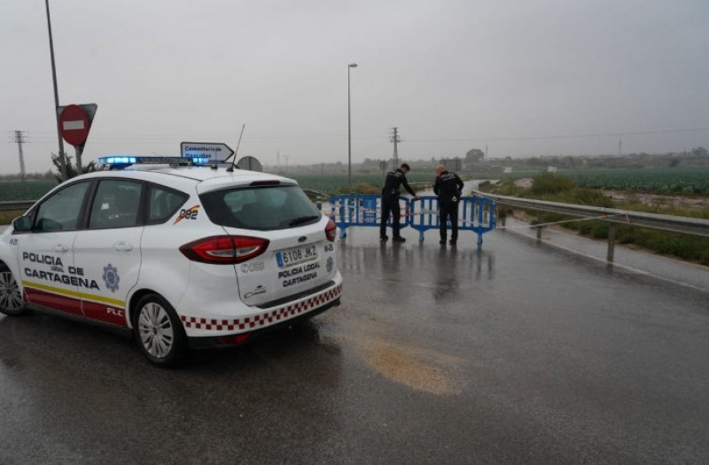 <span style='color:#780948'>ARCHIVED</span> - List of roads still closed by floodwater after the gota fría storm in Murcia on Tuesday