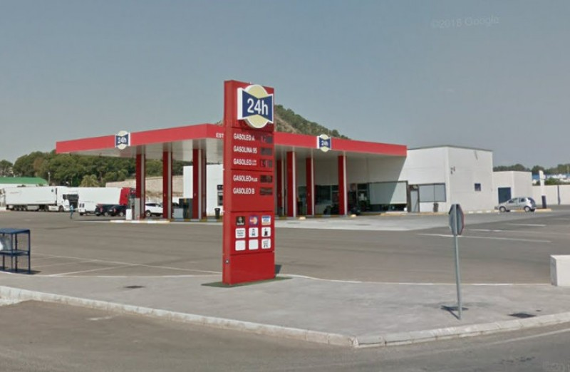 <span style='color:#780948'>ARCHIVED</span> - Petrol station strikes for Thursday and Monday called off
