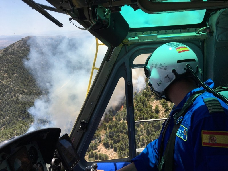<span style='color:#780948'>ARCHIVED</span> - 150 fighting first major forest fire of the summer in Caravaca de la Cruz