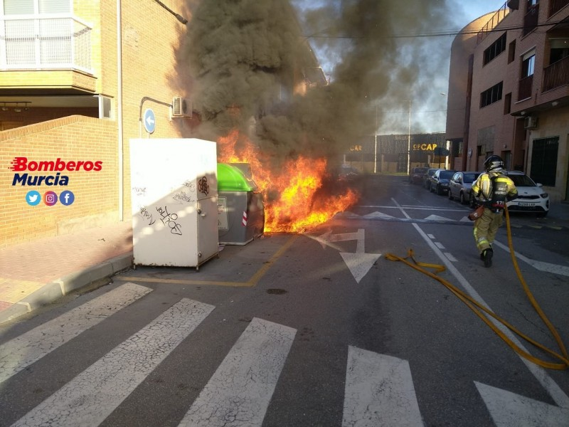 <span style='color:#780948'>ARCHIVED</span> - Man arrested after several nights of burning bins and cars in Murcia City