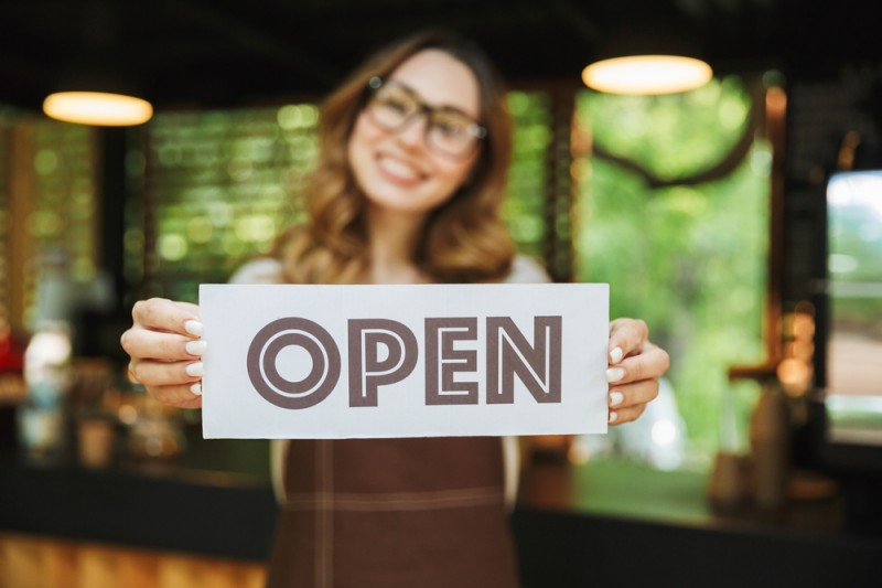 <span style='color:#780948'>ARCHIVED</span> - Bars and restaurants in 17 additional municipalities can open from Wednesday