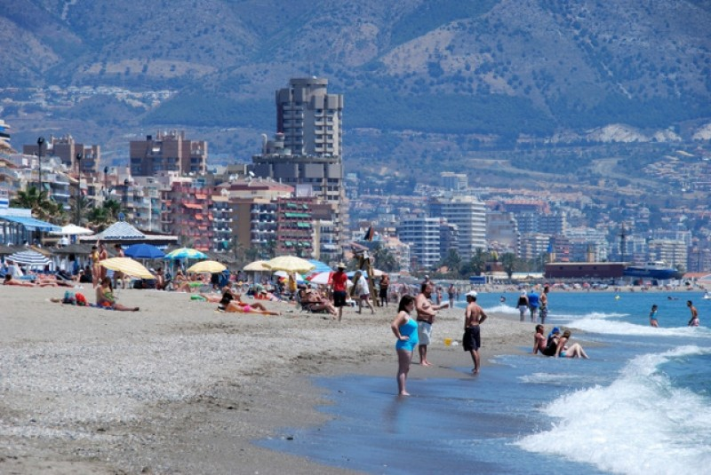 <span style='color:#780948'>ARCHIVED</span> - Spain woos German tourists after remaining on UK amber list