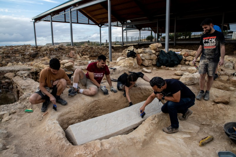 <span style='color:#780948'>ARCHIVED</span> - Spectacular Visigoth sarcophagus discovered in Mula Roman villa site