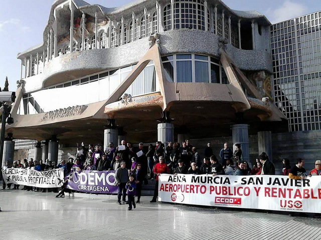 <span style='color:#780948'>ARCHIVED</span> - San Javier workers say they will never move to Corvera